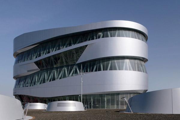 Aussenansicht des Mercedes Benz Museums in Stuttgart