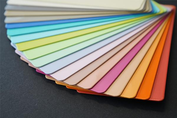 Fächer mit zahlreichen Duraflon-Farbmustern