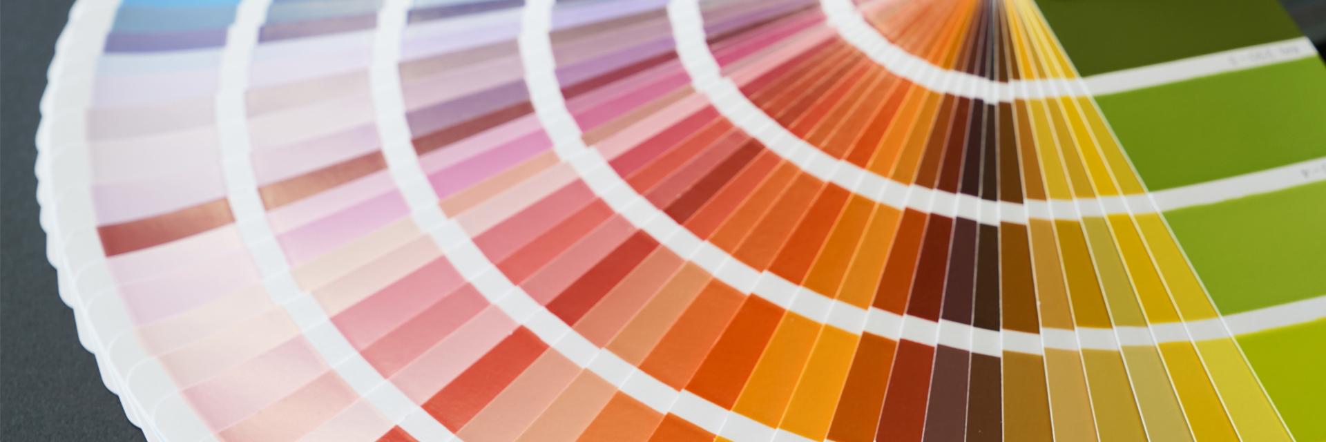 Zahlreiche Farbnuancen im Musterfächer